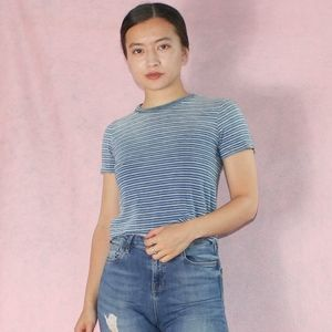 (376) VTG 90s Cropped Perfect Tee